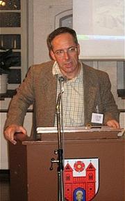 Dr. Stephan Veil