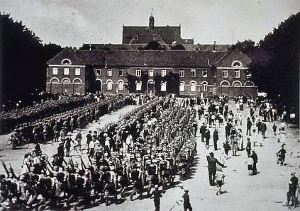 Mobilmachung auf dem Schlossplatz