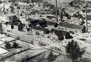 H. Heye Glasfabrik aus der Vogelschau; Zeichnung um 1890.