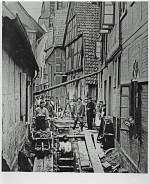 Kanalbauarbeiten in der Alten Schulstraße in Nienburg um 1905.